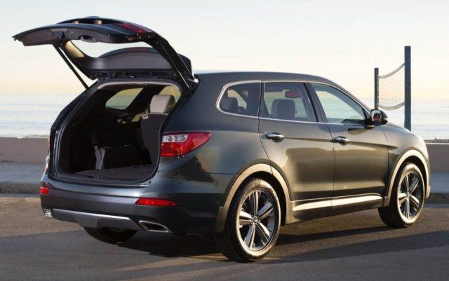 2015-Hyundai-Santa-Fe-cargo
