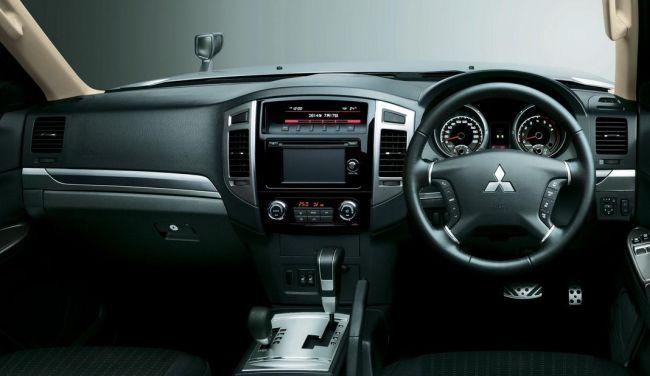 2015 mitsubishi pajero dashboard - Mitsubishi Montero 2015 Interior