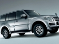2015 Mitsubishi Pajero Side View