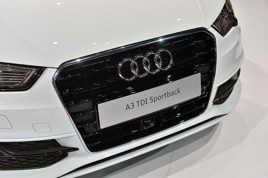 2016-audi-a3-sportback-tdi-s-line_13.jpg