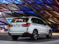 2016-BMW-X5xDrive40e-luxury-SUV_04.jpg