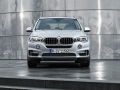 2016-BMW-X5xDrive40e-luxury-SUV_12.jpg