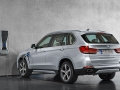 2016-BMW-X5xDrive40e-luxury-SUV_16.jpg