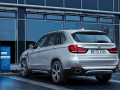 2016-BMW-X5xDrive40e-luxury-SUV_19.jpg