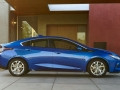 2016-chevy-volt-electric-car_04