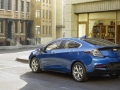2016-chevy-volt-electric-car_08