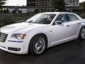2016-Chrysler-300-4
