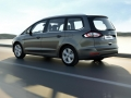 2016 Ford Galaxy minivan 08.jpg
