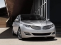 2016 Lincoln MKZ Front Right Side