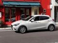 2016-Mazda-2_15.jpg