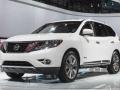 2016-Nissan-Pathfinder 9