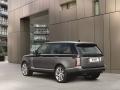 2016 Range Rover SVAutobiography luxury SUV 02.jpg