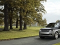 2016 Range Rover SVAutobiography luxury SUV 05.jpg