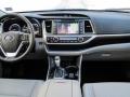 2016 Toyota Highlander 9