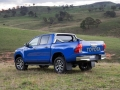 Toyota HiLux 2016 pickup truck 10