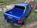 Toyota HiLux 2016 pickup truck 11