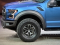 2017-ford-f150-raptor-detroit_12.jpg