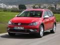 2017 Volkswagen Golf SportWagen Alltrack 02.jpg