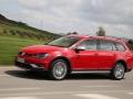 2017 Volkswagen Golf SportWagen Alltrack 04.jpg