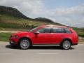 2017 Volkswagen Golf SportWagen Alltrack 05.jpg