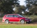 2017 Volkswagen Golf SportWagen Alltrack 06.jpg