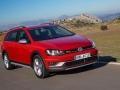2017 Volkswagen Golf SportWagen Alltrack 07.jpg