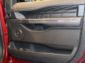 2018 Ford Expedition door