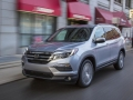 2018 Honda Pilot in motion