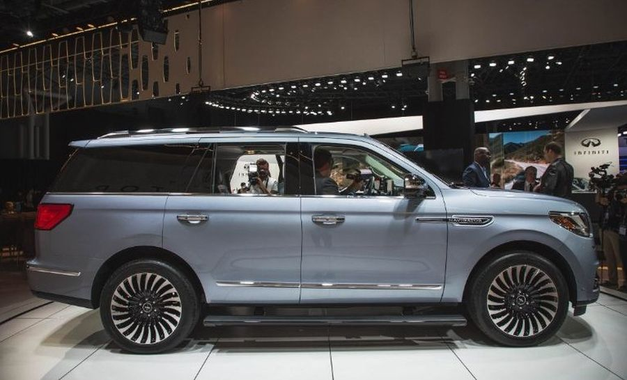 2018 lincoln limo. fine lincoln 2018 lincoln navigator side view to lincoln limo