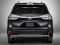 2018 Toyota Sienna rear end