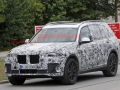 2019 BMW X7 front left view