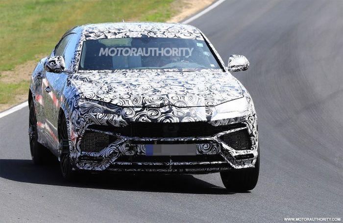 2019 Lamborghini Urus Price, Review, Top speed, MSRP, Specs