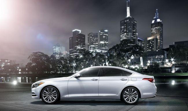 2015 Hyundai Genesis Side View