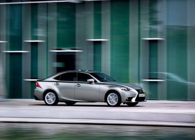 2015 Lexus IS300 Side View