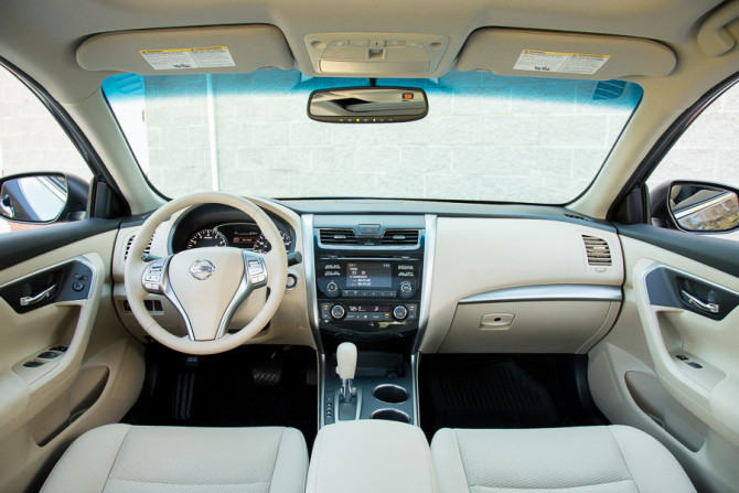2015 Nissan Altima Dashboard