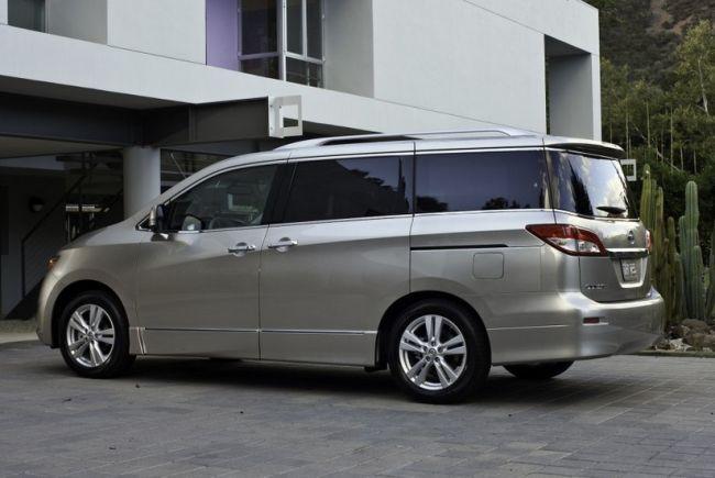 2015 Nissan Quest Exterior