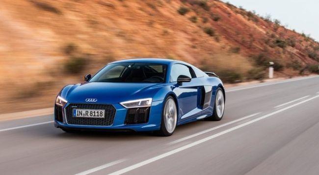 2016 Audi R8 V10 Blue On the road