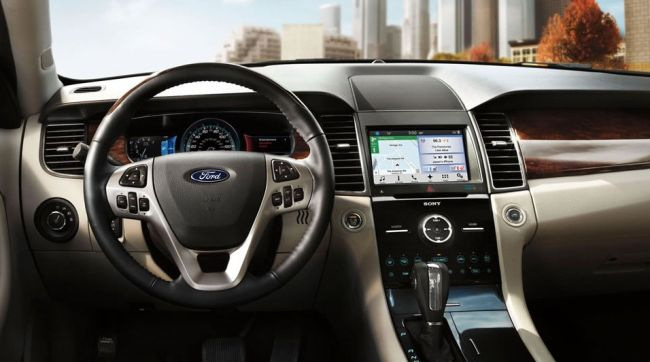 2016 Ford Taurus Dashboard