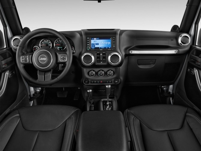 2015 Jeep Wrangler Dashboard