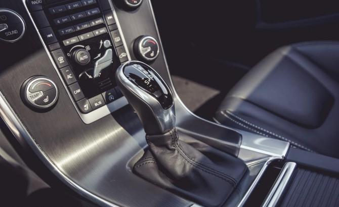 2015 Volvo V60 T5 Drive-E Shifter