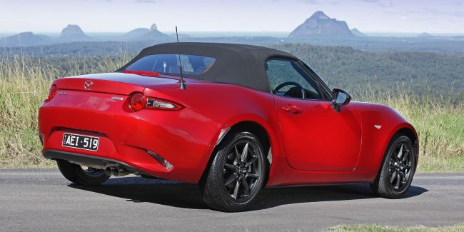 2016 Mazda MX-5 Miata Roof