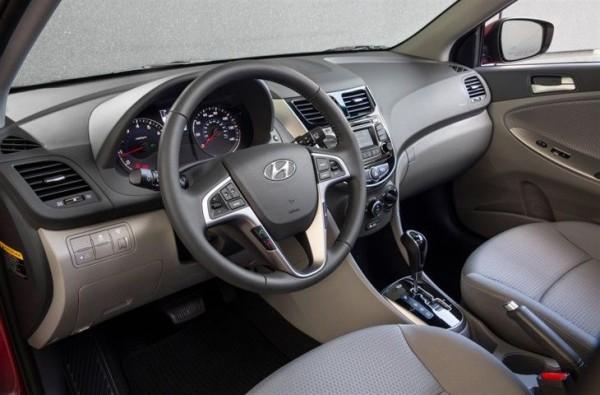 2015 Hyundai Accent interior