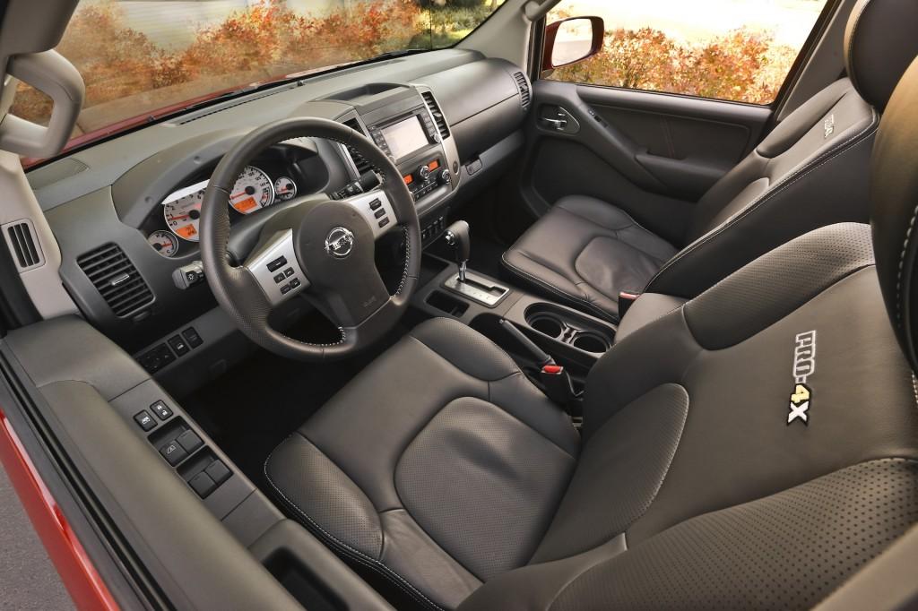 2015 Nissan Frontier interior