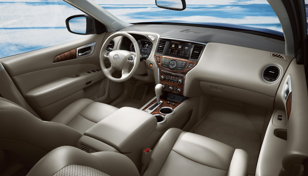 2015 Nissan Pathfinder review interior