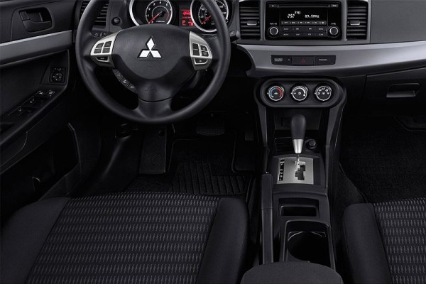 2016 Mitsubishi Lancer interior