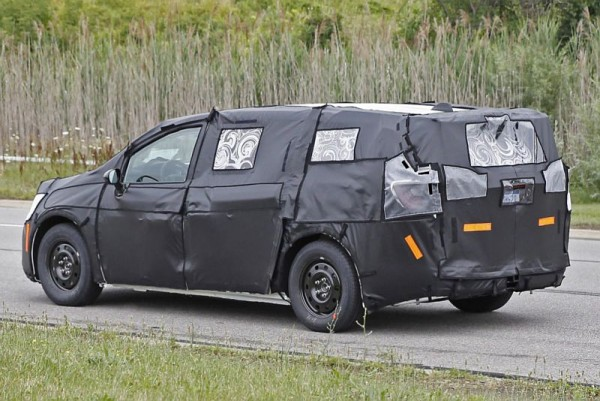 2016 Chrysler Town and Country news, release date, price