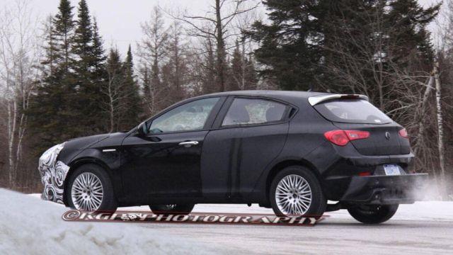 2017 Chrysler 100 release date, price, specs
