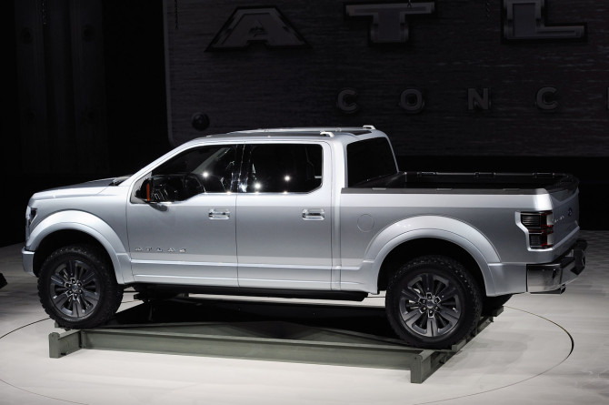2016 Ford Atlas Side View