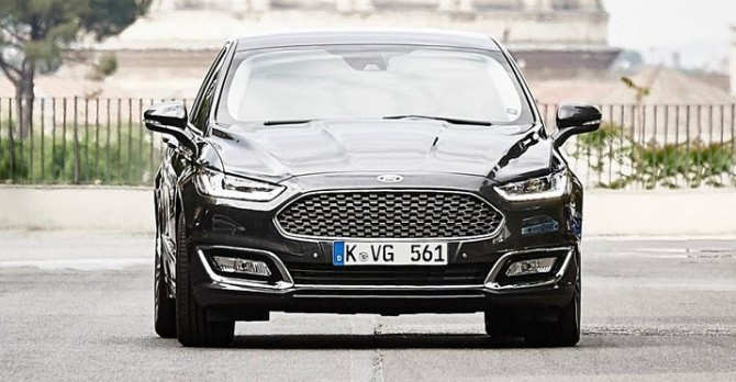 2016 Ford Mondeo Vignale Front
