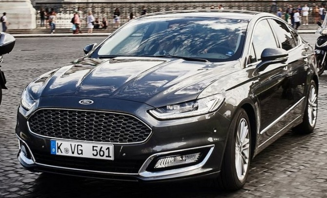 2016 Ford Mondeo Vignale Street